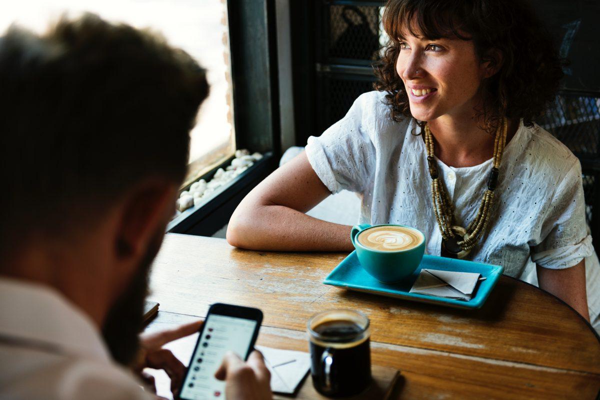 初対面での会話の楽しみ方